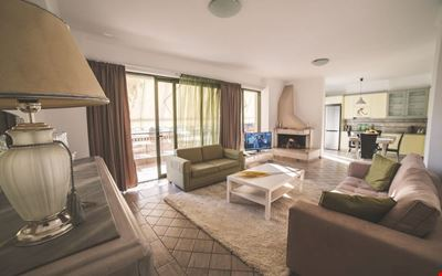 **CENTRAL** Luxurious Apartment. (2 bedrooms+2 WC)