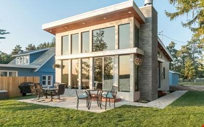Lake Front Trail 7 Haus of Windows!
