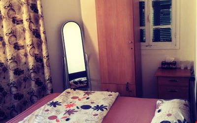 Sunny Private Room With Amazing Roof, MAR MIKHAEL