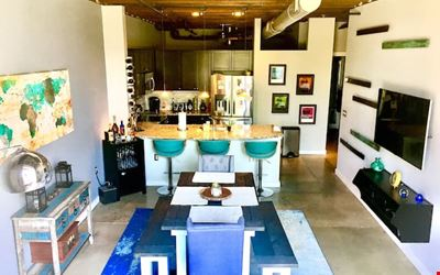 Urban Charlotte Loft -Arts District -Private Room