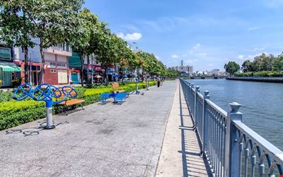Experience Saigon with Locals