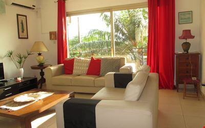 Large Bright Apartment of 2 BR in Batterie 4
