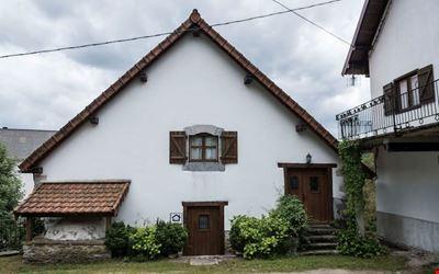 Country Cottage / Gite ERTEIKOA - Selva de Irati