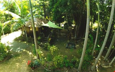 Balinese bungalow at 50m from the beach
