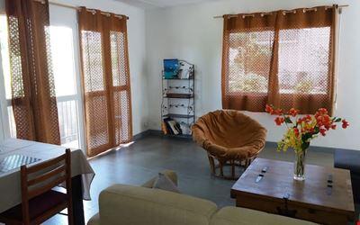 Koné: F4 apartment equipped in quiet area