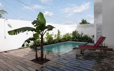 Holiday home with pool