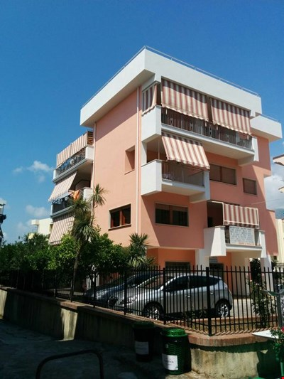 Apartment in the centre of the town at 300 meters from the sea