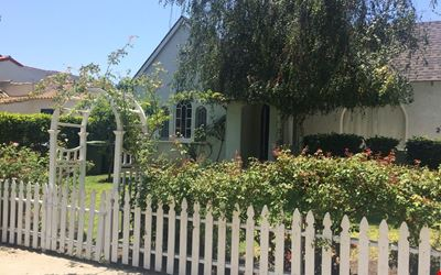Your own 2/1 HOUSE with large GARDENS and remodeled CHEF'S KITCHEN in West LA