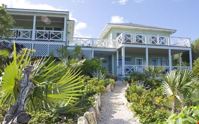 Refined Island Style, Exclusive But Near Everything.