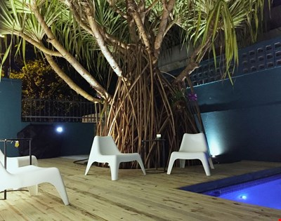 Power generator. Water tank. A/C. Free wifi. Private pool. Steps from the beach