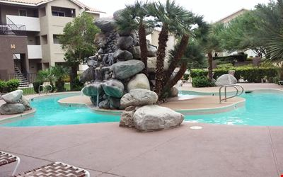 LARGE COMFORTABLE POOLSIDE CONDO ACROSS FROM THE RIO HOTEL AND CASINO