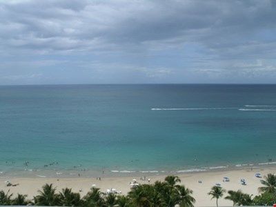 5 STAR RATED: ISLA VERDE BEACH 17th FLOOR  MARBELLA APT. WITH A WOW!! OCEAN VIEW