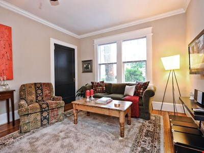 Furnished Apartment in Dilworth-Charlotte NC-2br with Screened Porch