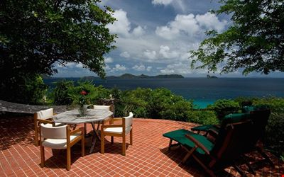 Burke House's private setting is relaxing, romantic and includes personal cook.