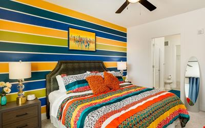 Colorful 2BR w/ Pool in Heart of Music Row