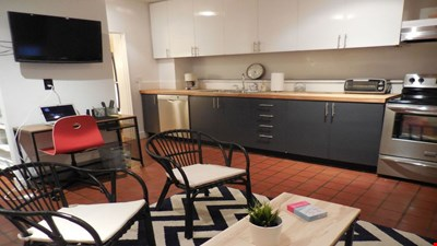 South End Charming Furnished Apartment
