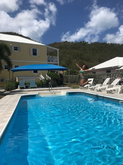 2 Br 2 Ba ground floor luxury apartment with WiFi near Jolly Harbour and beaches