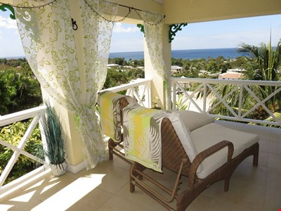 Highly Rated Peaceful & Modern Apartment With Spectacular Panoramic Sea Views