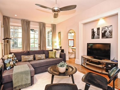 Gracious Myers Park 2BR Residence--1 Mile from Uptown