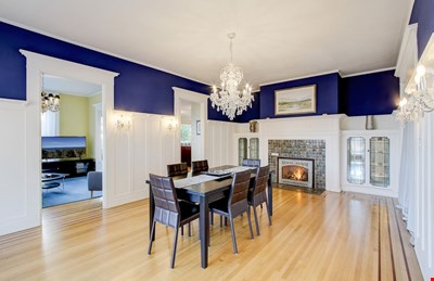 Historic Sleepless in Seattle Mansion: Spectacular Views 3-BR Suite