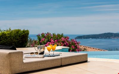 "Luxury 5* seaview ""Villa Monaco"" with infinity heated pool and staff- a paradise"