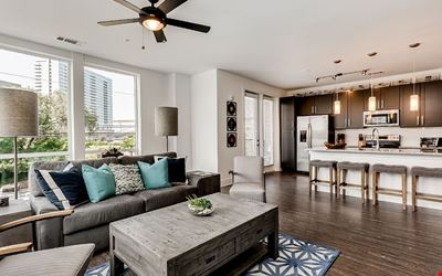 Charming 2BR in Heart of Music Row