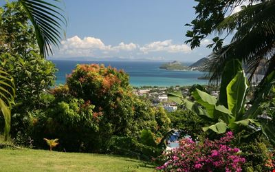 Plantation House, with superb panoramic ocean views, 4x4 available to rent.