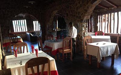 Tiàna Hôtel Restaurant