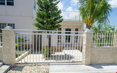 Caribbean Inn and Suites
