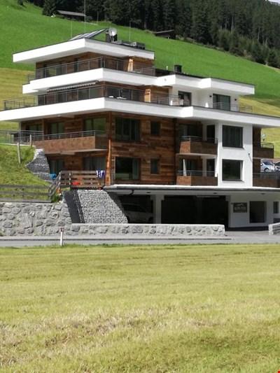 Alps Tux