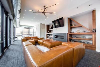 Skyblue Apartment