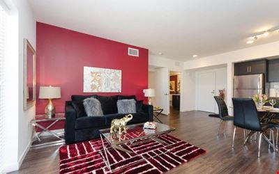 Urban Hollywood Blvd Burgundy Suite