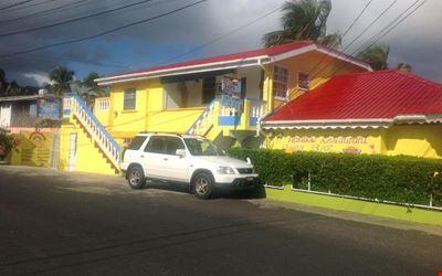 Rainbow Beach Apartments & Rooms